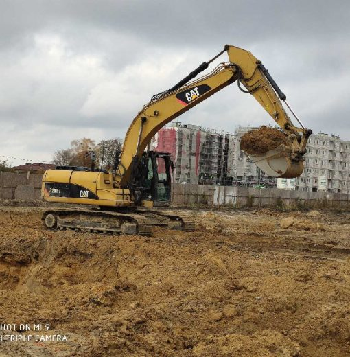 Roboty ziemne Warszawa Robyg